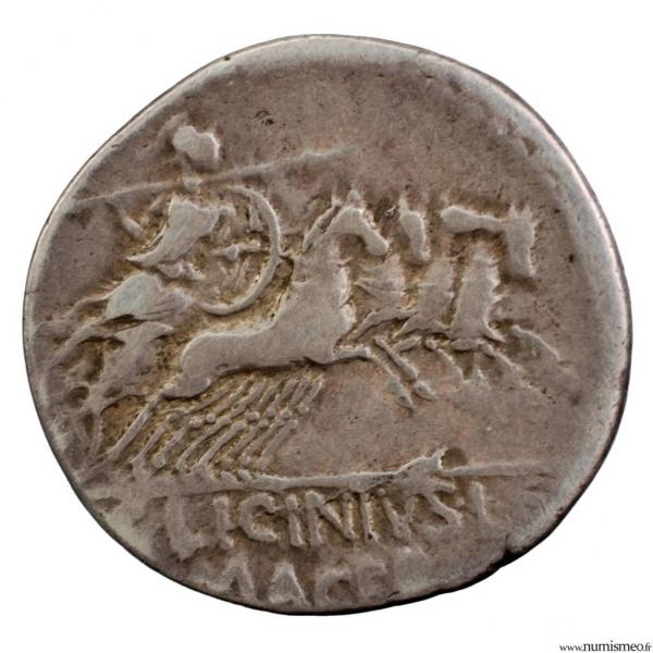Licinia denier frappé en 84 av JC