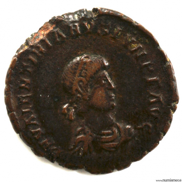 Valentinien II Moyen Bronze frappé à Arles