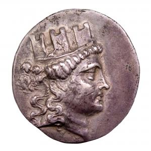 Ionie tetradrachme frappé à Smyrne