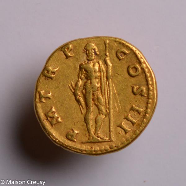 Hadrien aureus frappé à Rome en 121