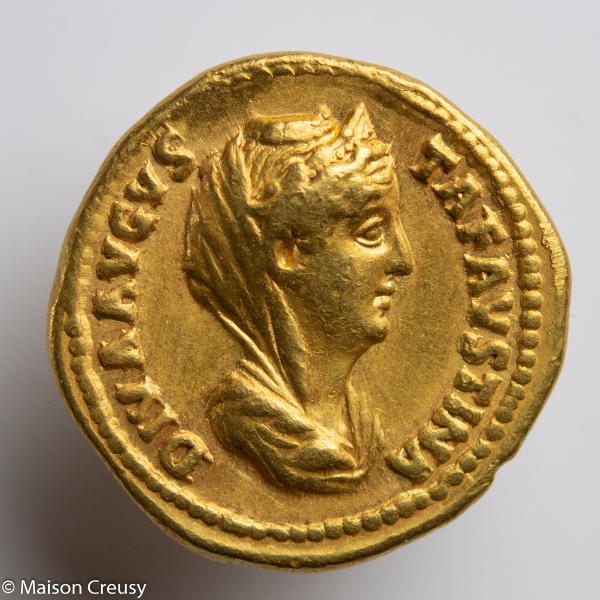 Faustine aureus frappé par Antonin le Pieux à Rome en 141